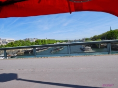 Crossing the Seine on Pont du l'Alma
