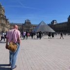 It's Easy to Get Louvre Along the Way