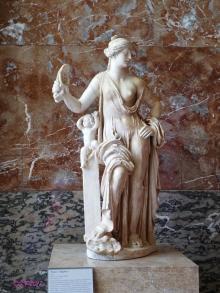Venus 'Vulgaire' - Italian marble c. 160 CE
