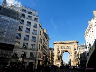 Coming up Rue Saint-Denis to La Porte d Saint-Denis.