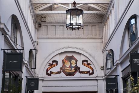 Punch & Judy Pub at Covent, est. 1787Garden
